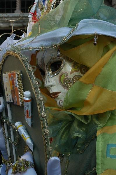 Con lo specchio - Carnevale di Venezia